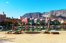 Free Resort Near The Red Sea Royalty Free Stock Image - 28896326