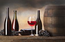Free Still Life With Red Wine Royalty Free Stock Photos - 28896438