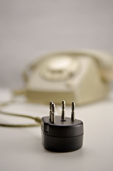 Free Unplugged Analog Gray Telephone Black Connecting Plug Stock Images - 28899444