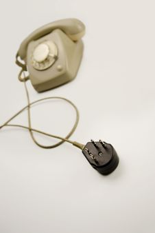 Free Unplugged Analog Gray Telephone Black Connecting Plug Stock Images - 28899464