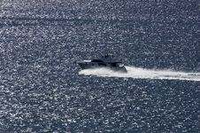 Yacht Speeds By Sea Royalty Free Stock Images