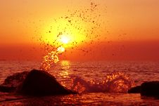 Free Unreal Sunset Splash Royalty Free Stock Photos - 2897618