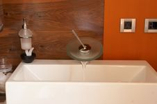 Free Modern Style Sink Stock Photo - 2898970