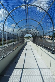 Free Fenced Walkway On Blue Sky Royalty Free Stock Images - 2899119