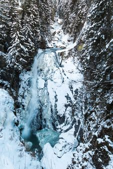 Free Frozen Waterfall Royalty Free Stock Images - 28902129