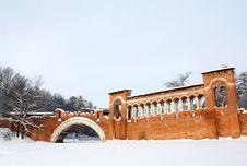 Free Gothic Arched Bridge Royalty Free Stock Photo - 28902595