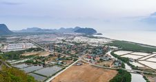 Free Landscape Viewpoint At Khao Daeng Royalty Free Stock Photography - 28914587