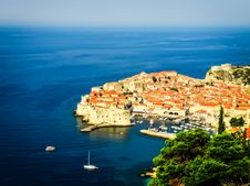 Free Dubrovnik Old Town View With The Harbour Stock Images - 28925874