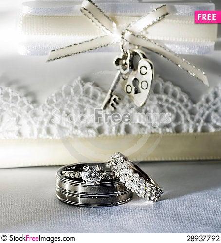 Free Wedding Rings On White Background Stock Photography - 28937792