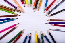 Free Color Pencils Creating Circle Imitation Royalty Free Stock Images - 28943599