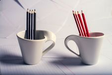 Free Black And Red Pencils Stand In Two Cups Stock Photography - 28944342