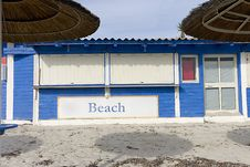 Free Beach Bar Closed Royalty Free Stock Photo - 28944415