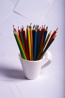 Free Many Color Pencils Standing In A White Mug Royalty Free Stock Photos - 28944428