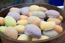 Free Steamed Buns Royalty Free Stock Photography - 28948357