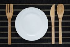 Free Table Setting With Wooden Cutlery Royalty Free Stock Photography - 28955327