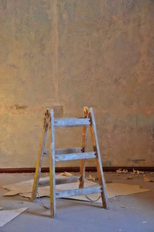 Free A Ladder In A Room Royalty Free Stock Photography - 28964847