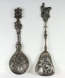 Free Two Antique Silver Teaspoons Royalty Free Stock Images - 28971499