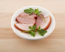 Free Bacon With Parsley On Dish Royalty Free Stock Photo - 28981665