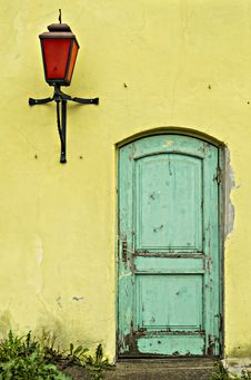 Free Old Yellow Wall With Green Door Stock Images - 28983464