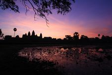 Free The Dawn In Siamreap Royalty Free Stock Images - 28984929