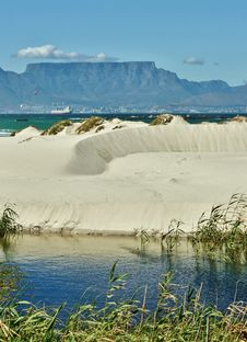 Free Table Mountain Royalty Free Stock Image - 28986206
