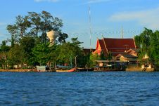 Free Waterfront House In Thai Style, Thailand Royalty Free Stock Photography - 28989287