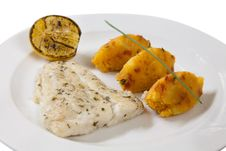 Free Fish Fillet With Potato Patties Stock Images - 28990904