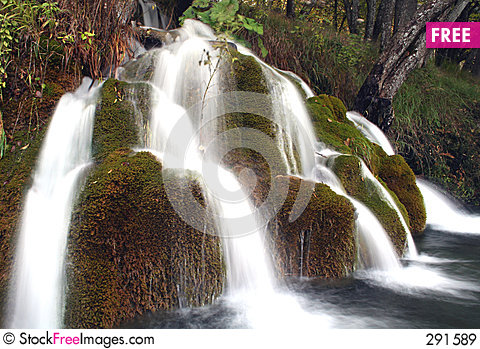 Free Waterfall Royalty Free Stock Images - 291589