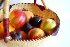 Free Fruity Basket Royalty Free Stock Photography - 290087