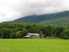 Free Farm In Northern New England Royalty Free Stock Photos - 299958
