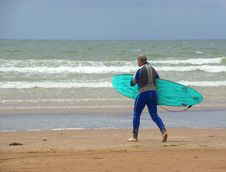 Free Man With Surfboard Stock Photos - 2901003