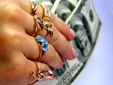 Free Woman S Hand With Money Royalty Free Stock Images - 2903699