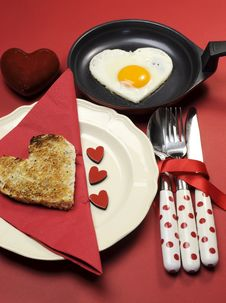 Free Love Theme Valentine Breakfast With Heart Shape Egg And Toast, Vertical. Royalty Free Stock Photos - 29003488