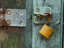 Free Green Door Brass Lock Steel Hasp Stock Images - 29008734