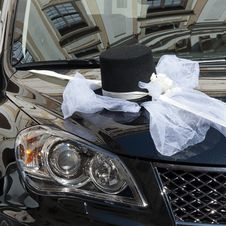 Free Wedding Car Decoration Royalty Free Stock Image - 29016296