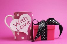 Free Pink Polka Dot Mug, With Heart Shape, With Love, Message And Polka Dot Gift. Royalty Free Stock Photos - 29018508