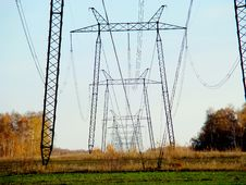 Free Power Line Royalty Free Stock Images - 29046419