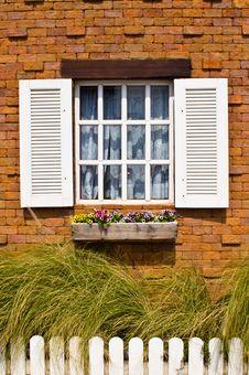 Free White Window Stock Photo - 29072740