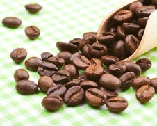 Free Coffee Beans On Kitchen Table Stock Photo - 29075840