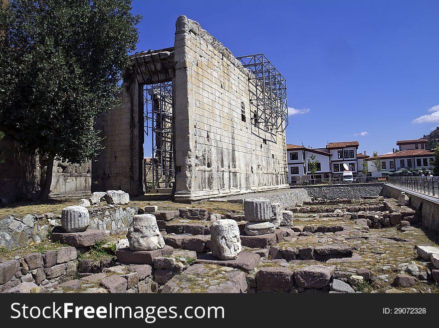 Roam ruins