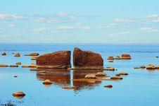 Free Large Stones Royalty Free Stock Image - 29093756