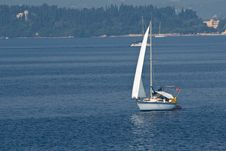 Free Sailing On Blue Royalty Free Stock Photos - 2910868
