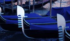 Free Gondolas On The Grand Canal Royalty Free Stock Photo - 2912125
