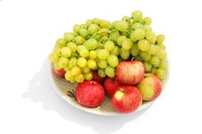 Free Grapes And Apples Royalty Free Stock Image - 2916716