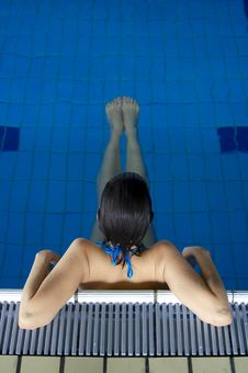 Free Young Girl Relaxing In Pool 02 Royalty Free Stock Images - 2917929