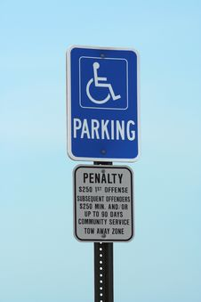 Free Handicapped Parking Sign Stock Photography - 2918512