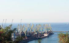 Free Seaport Terminal Royalty Free Stock Image - 29103576