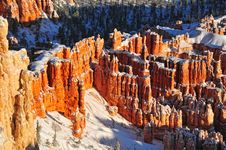 Free Snow Covered Hoodoos In Bryce Canyon Royalty Free Stock Photos - 29114458
