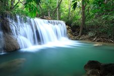 Free Deep Forest Waterfall Stock Photography - 29115982