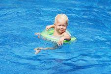 Free Baby Swimming Stock Image - 29118551